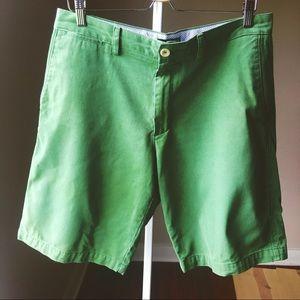 "Men's BR green 10"" chino shorts 33"" waist"